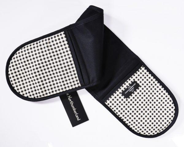 Northumberland Tartan Double Oven Glove